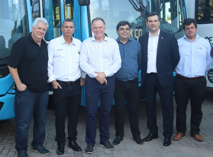 Autobahn Caminhões e Ônibus entrega os primeiros veículos da nova frota do Transcol