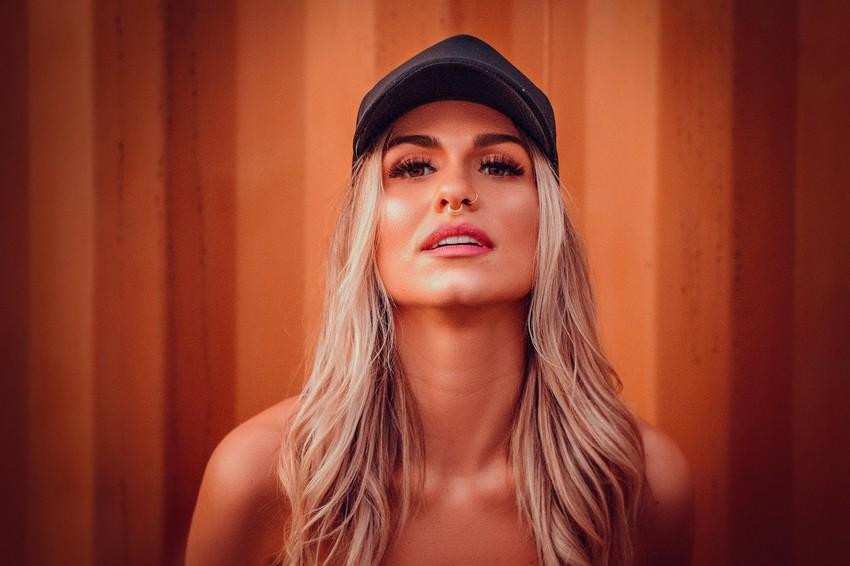 Diva Gabriela D´Avila posou para ensaio de moda