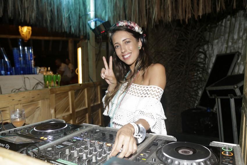 Muita gente bonita na Sunset Party do Beach Club Aragon Playa