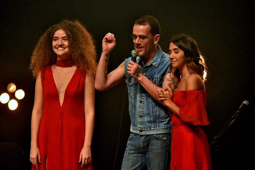 AnaVitoria e o roqueiro Nando Reis, estrearam a mini turnê Dia dos Namorados
