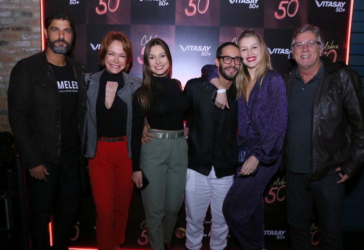 Festa Celebra 50 reúne famosos no Leblon