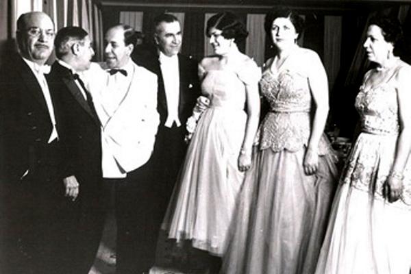 Assis Chateaubriand em evento da família Jafet, nos anos 1950, em São Paulo