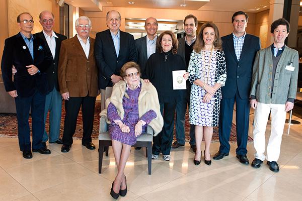 D. Violeta Jafet e alguns descendentes que integram a comissão de organização do evento de 2017, na comemoração dos 125 anos dos Jafet no Brasil