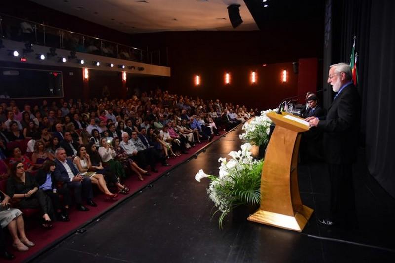 Centro Educacional Leonardo Da Vinci celebra