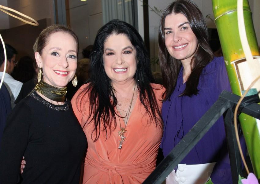 Ana Botafogo ganha homenagem aos seus 40 anos de carreira no Vogue Square