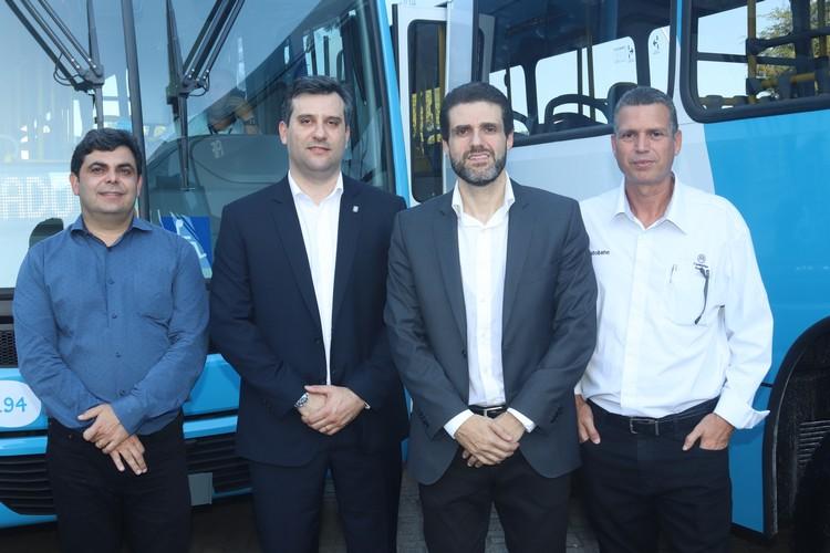Anderson Lopes (Grupo Scandia) – Jorge Carrer (MAN) - Sec. Transportes e Obras Publicas, Fabio Damasceno e Gilberto Lopes (Autobahn)