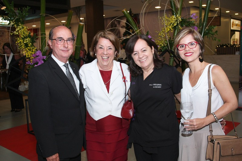 Antonio Lazary, Branca Regina, Regina Lazary e  Roberta Nascimento