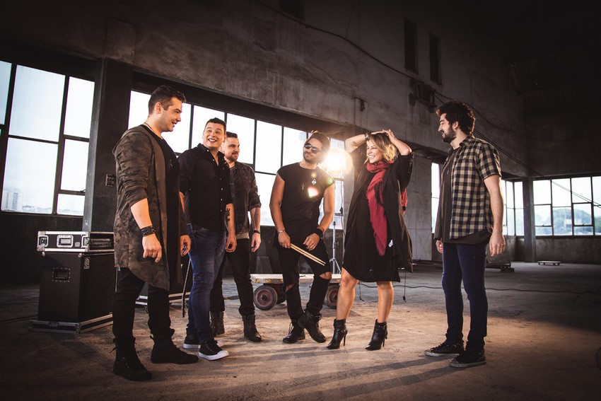 Banda Fortunia lança hoje música e clipe novo com a participação da atriz Paolla Oliveira