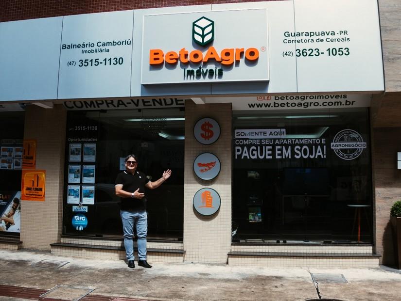 Beto Xavier à frente da Beto Agro Imóveis em Balneário Camboriú