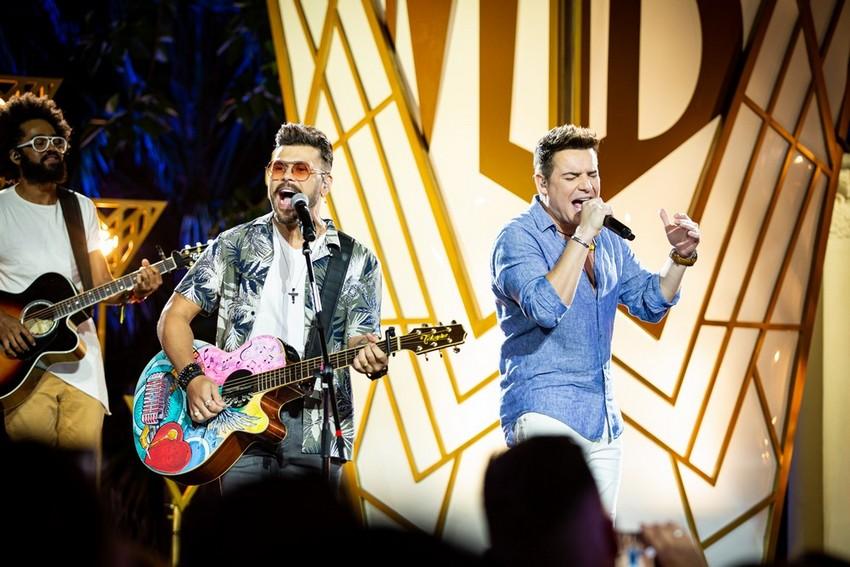 Marcos e Belutti divulgam álbum Cumpra-Se e celebram com live