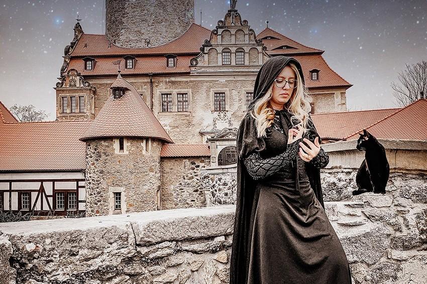 YouTuber Carol Capel desvenda os mistérios e o sobrenatural