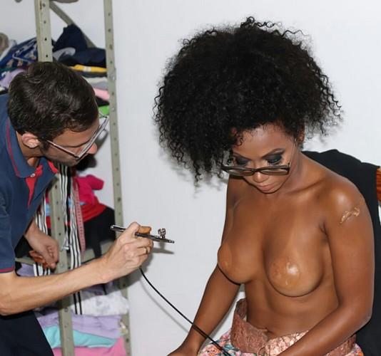 Maquiador Anderson Natio estreia no Carnaval de São Paulo