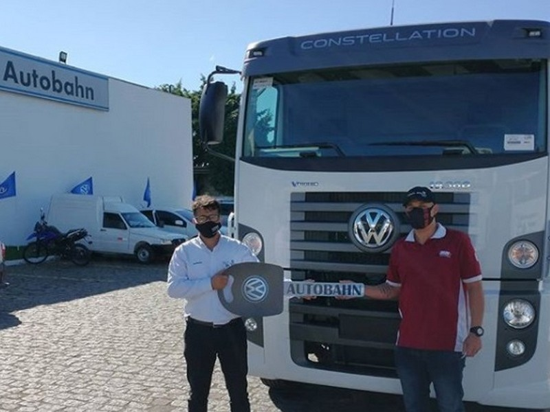 Transportadora MMA recebendo seu VW 19.360 VTronic