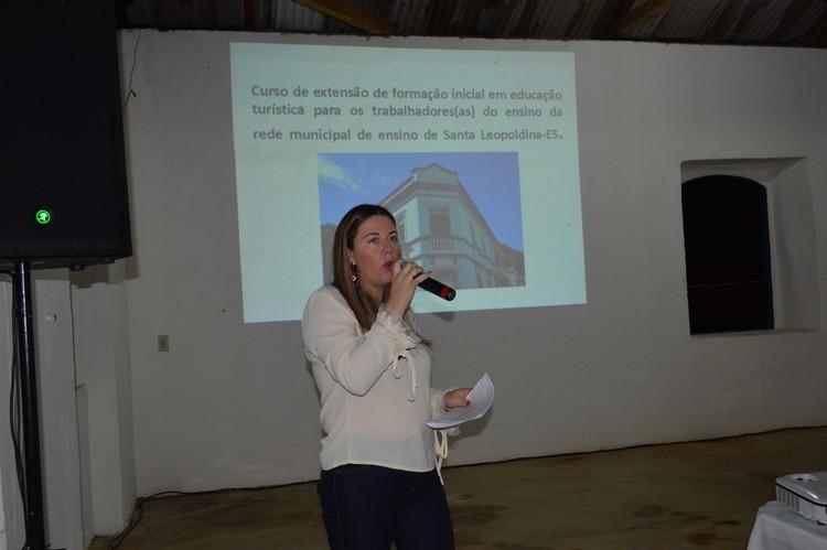 Ana Cláudia Endringer - Secretária de Educação de Santa Leopoldina - apresenta os desdobramentos da secretaria para o desenvolvimento do turismo
