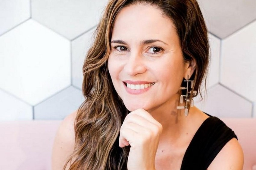 Designer capixaba Andrea de Pinho lança Coleção Formas de acessórios