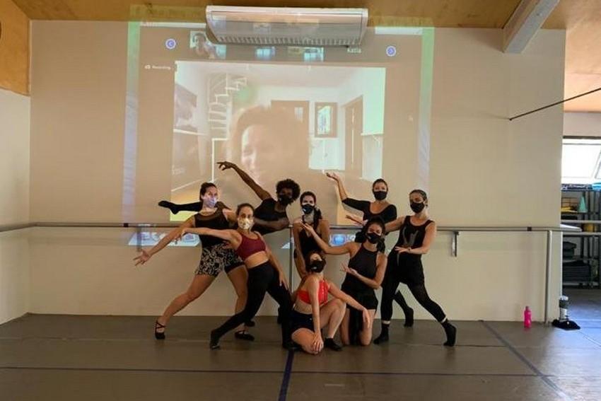 A Duetto Arte e Movimento promove aulas inéditas de aprimoramento em ballet clássico e jazz dance