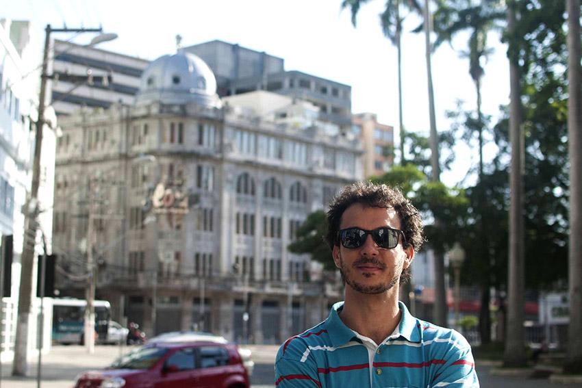 Duílio Kuster Cid lança neste mês o livro de poemas: O Sobrado