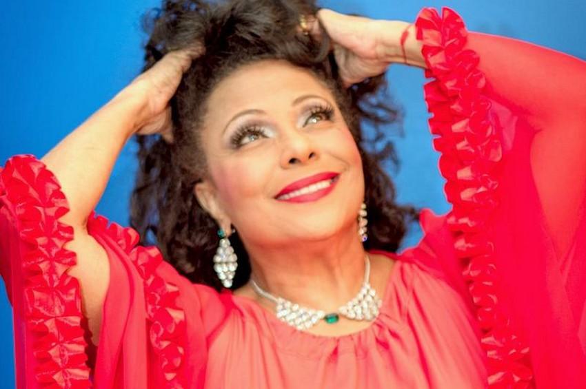 Eliana Pitmann faz shows inéditos em Vitória interpretando clássicos de Tom Jobim e Cole Porter