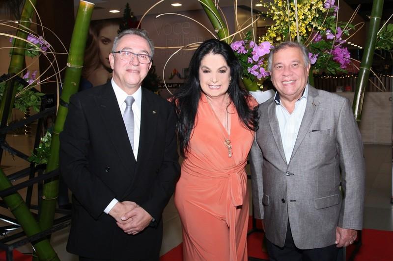 Heloisa Raso entre Reverendo Miguel Bonfim e Reverendo Jorge Miguel