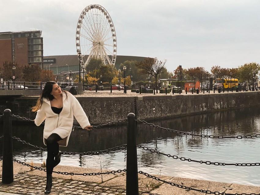 Influencer Thaise Sanches faz sucesso com dicas para quem viaja para Londres