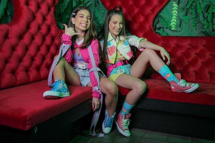 Julia Pimentel e Taby lançam feat em todas as plataformas digitais