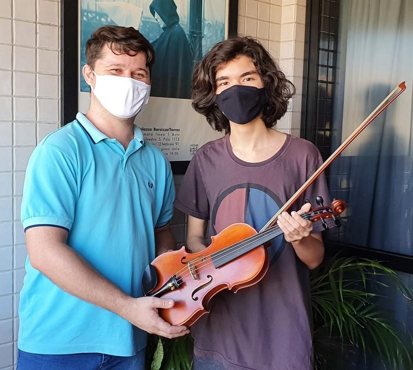 Julio César Vesper e Marcos Pandolfi fazendo história na arte da luthieria