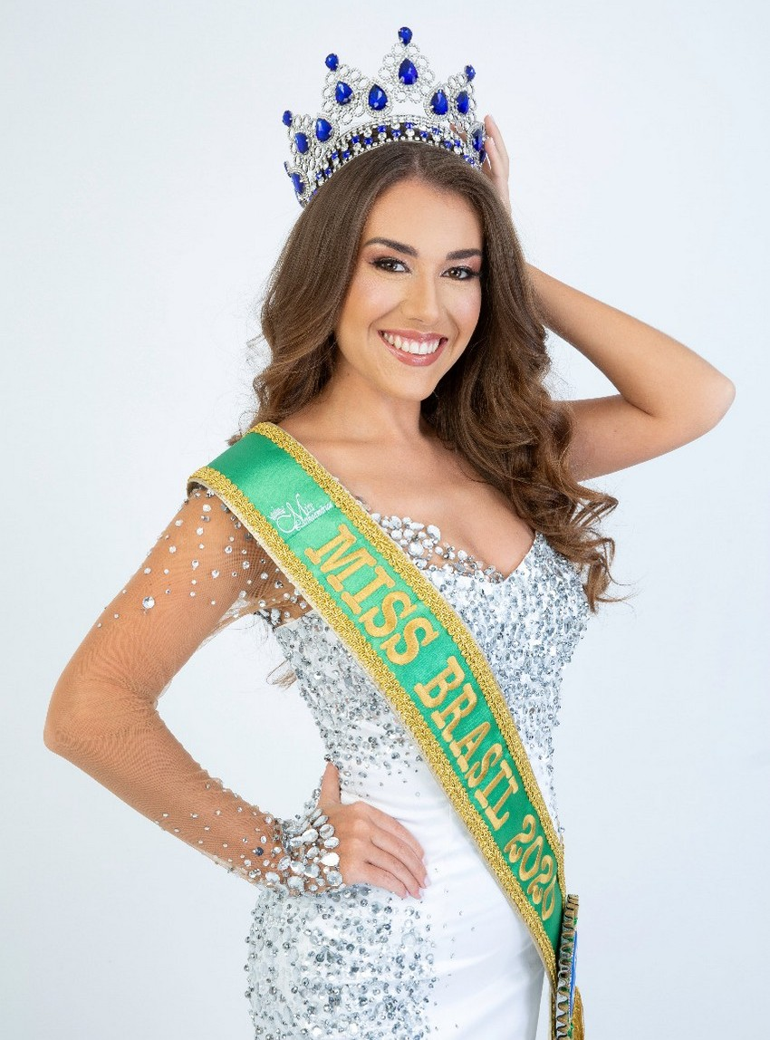 Laura Faresin conquista a faixa de Princesa em disputa internacional no Panamá