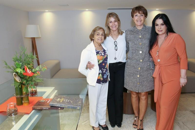 Luiza de Oliveira, Elizabete Matos, Vera Abadia e Heloisa Raso