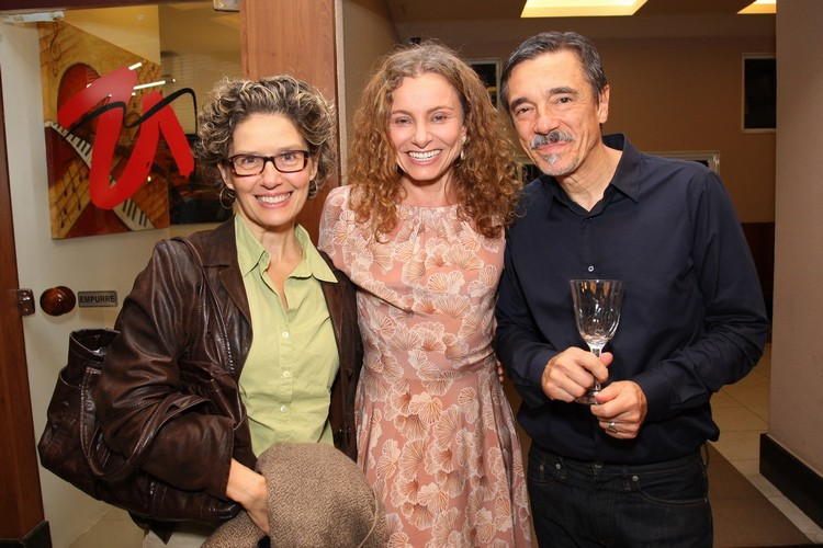 Mariana Roquete Pinto, Carolyna Aguiar e Charles Gavin