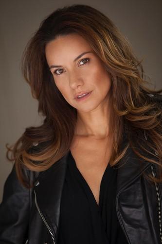 Mina Nercessian, atriz brasileira premiada em Los Angeles, lança filme no Brasil como protagonista e roteirista