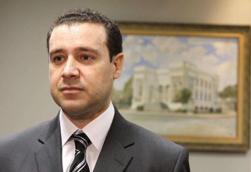 Ministro do STJ, Nefi Cordeiro, chega em Vitória para ministrar aula magna inaugural da Amages