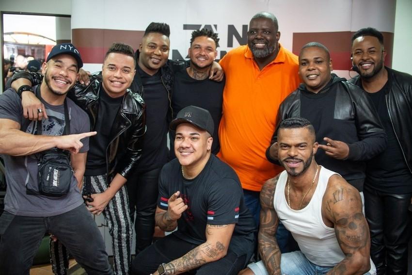 Pagodeiros se reúnem na gravação do novo DVD do Tá Na Mente