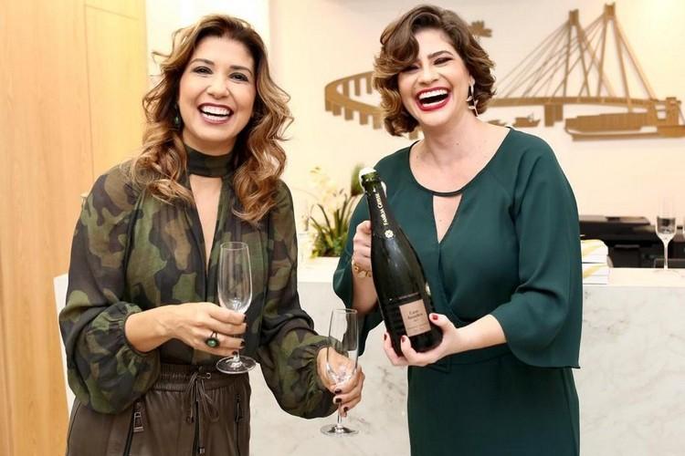 Médicas oftalmologistas Liliana Nóbrega e Rochelle Pagani inauguraram nova clínica