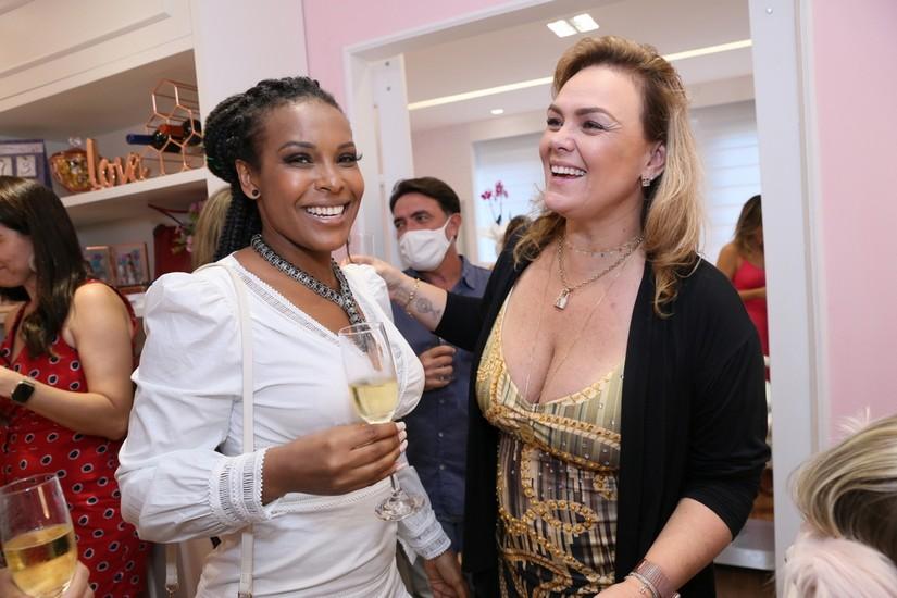 Solange Vega e Ana Paula Almeida