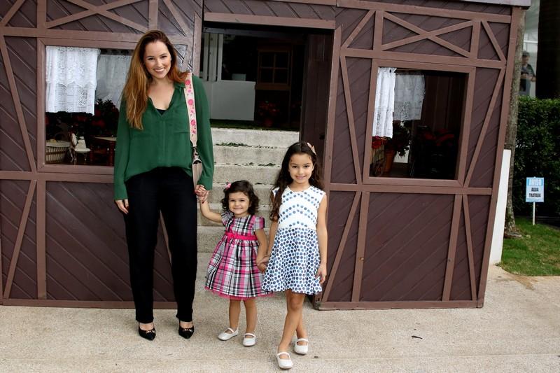 Mari Belém com as filhas