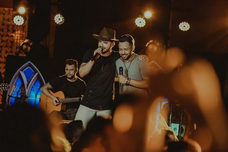 Thiago e Graciano lançam EP 02 do projeto No Bar da Facul