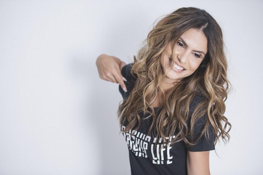 Aline Barros lança programa Worship Life