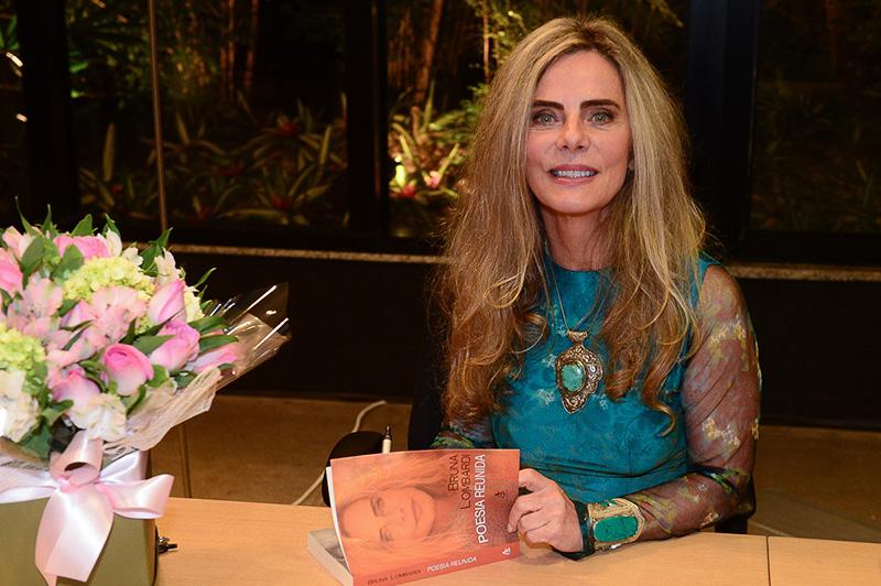 Bruna Lombardi retorna à cena literária com dois grandes lançamentos: