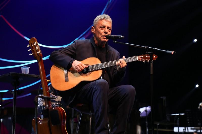 Chico Buarque estreia seu show Caravanas no Vivo Rio