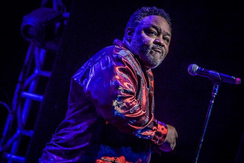 Earth, Wind & Fire: Al McKay volta ao Brasil para show especial em São Paulo
