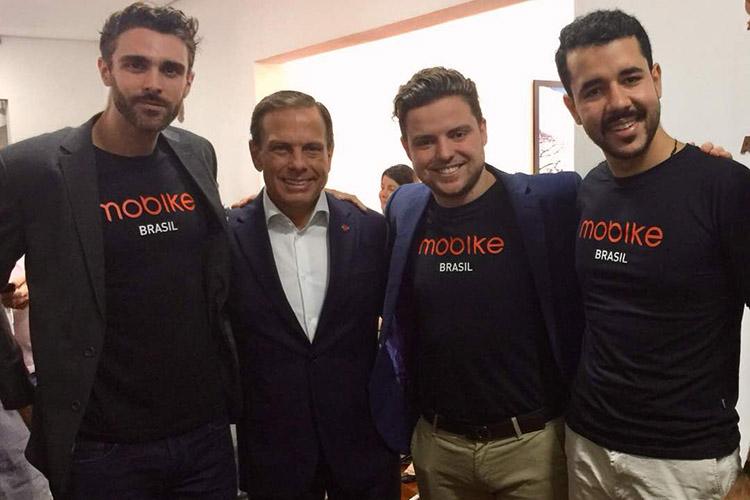Chris Martin - vice-presidente de expansão da Mobike, João Dória Jr. – então Prefeito de São Paulo, Erick Castiglioni Coser – gerente de expa