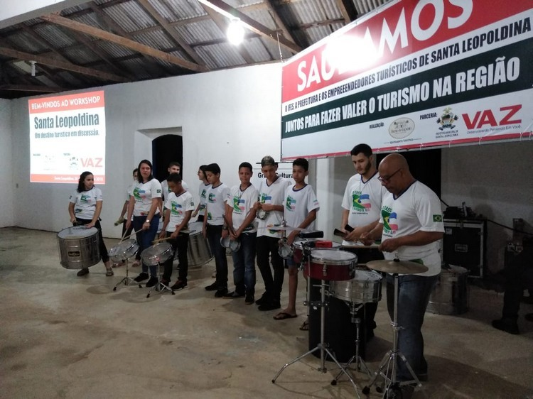 Apresentação cultural do Grupo Tambores do Brasil, de Santa Leopoldina