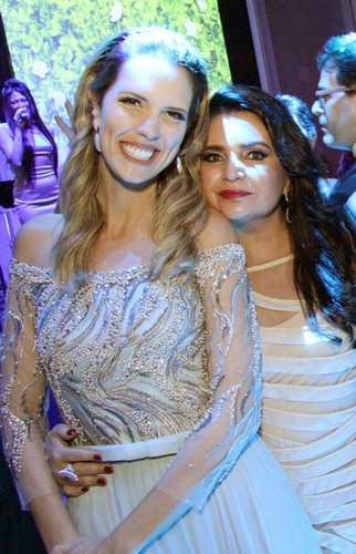 Camila Coser Guignone e Ana Paola Abiguenem Teixeira