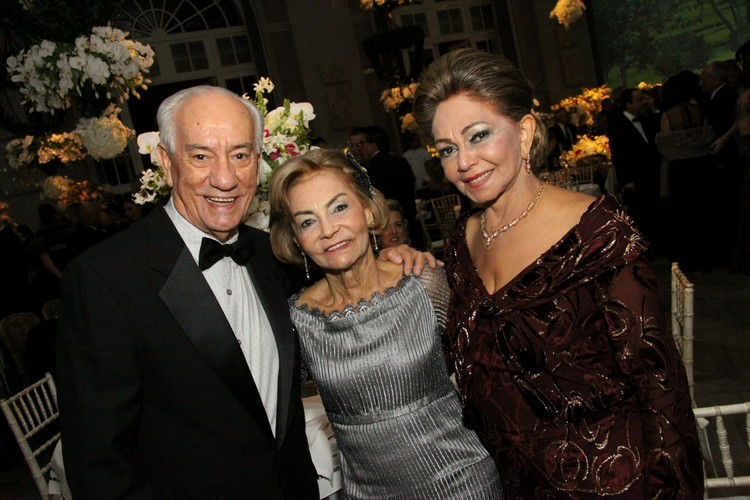 Gilson e Helenita Araujo com Diva Michelini