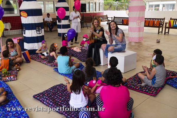 Julia Gomes e Biatriz Jordão visitam centro de oncologia infantil