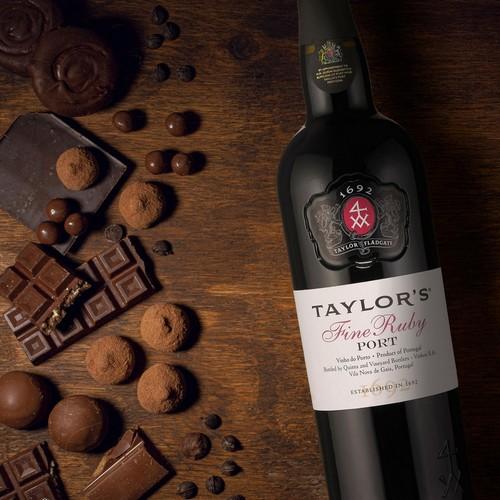 Taylor's, tradicional produtora de vinhos do porto, sugere rótulos para a Páscoa